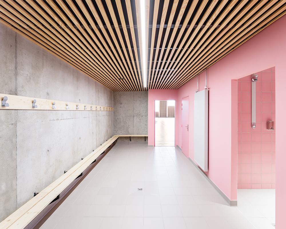laudescher realisation complexe sportif saint chamas linea plafond suspendu