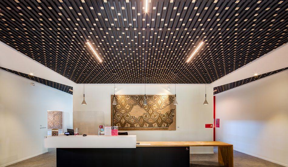 laudescher réalisation plafond bois acoustique 3D musée claracq